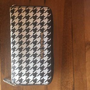 Zip wallet Michael Kors